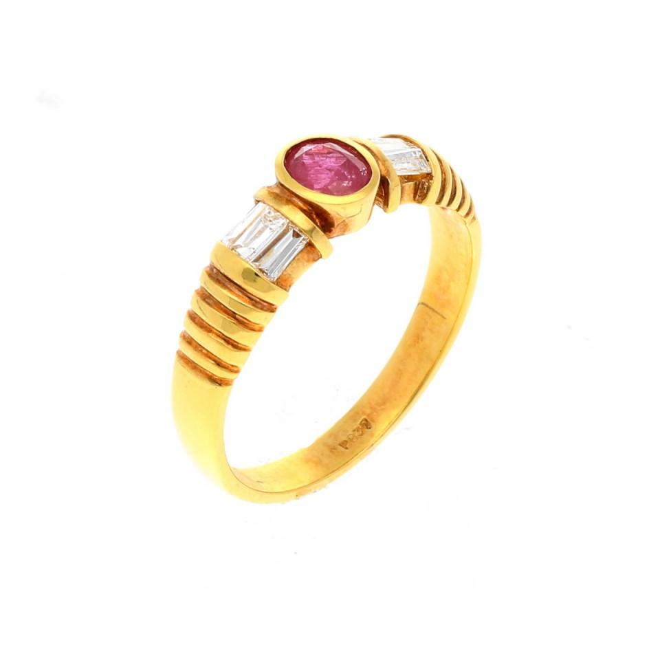 18 krt ring met diamant en robijn