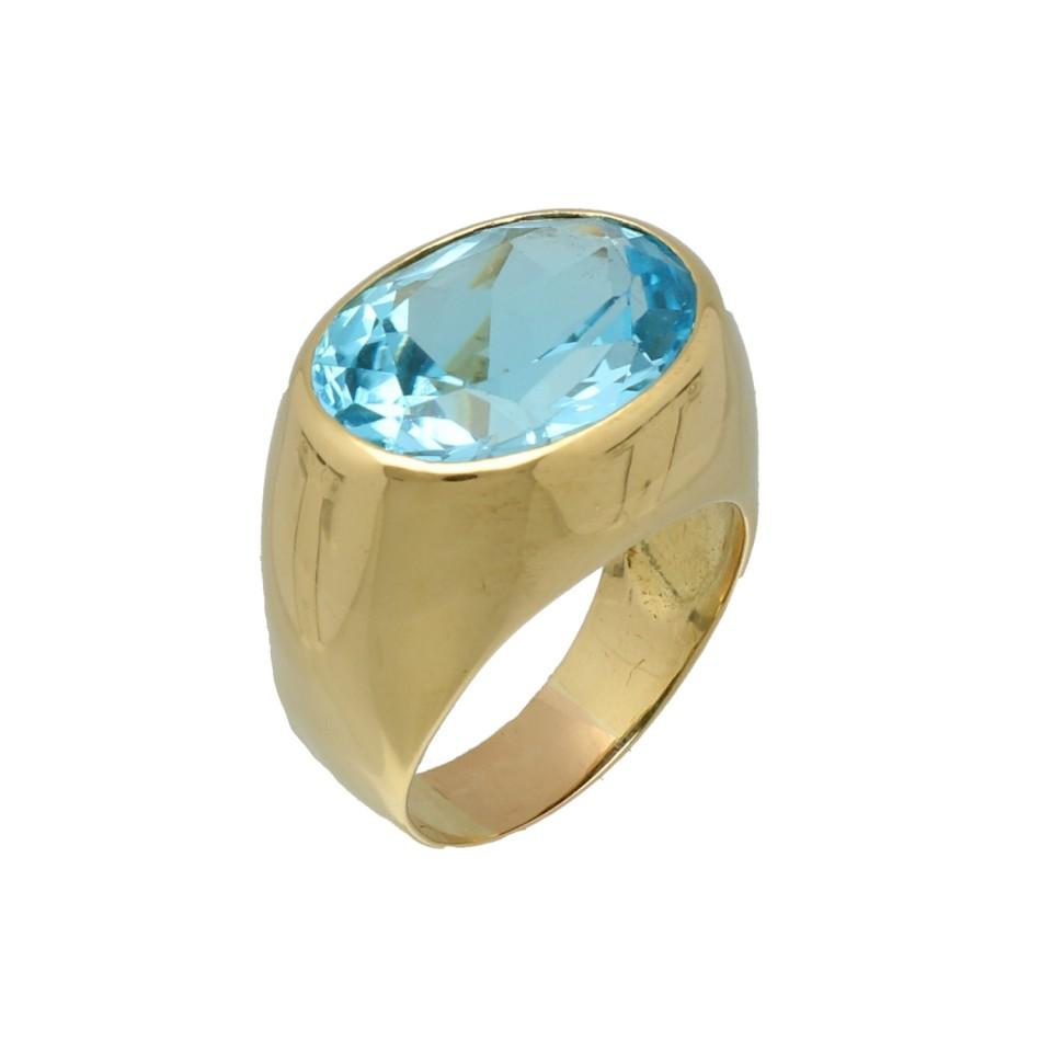 18 Krt. Geelgouden Cocktail ring bezet met Blauwe topaas