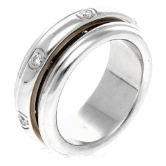 18 Krt. Witgouden Piaget Possession ring met Briljanten
