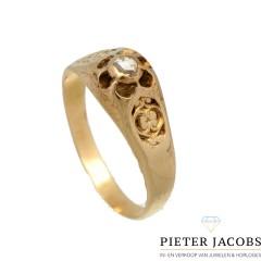 Antiek gouden ring met diamant.
