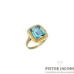 14Krt gouden ring gezet met Blauwe Topaas
