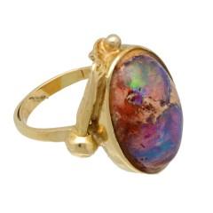 14 krt. gouden ring met gekleurde Opaal, handwerk